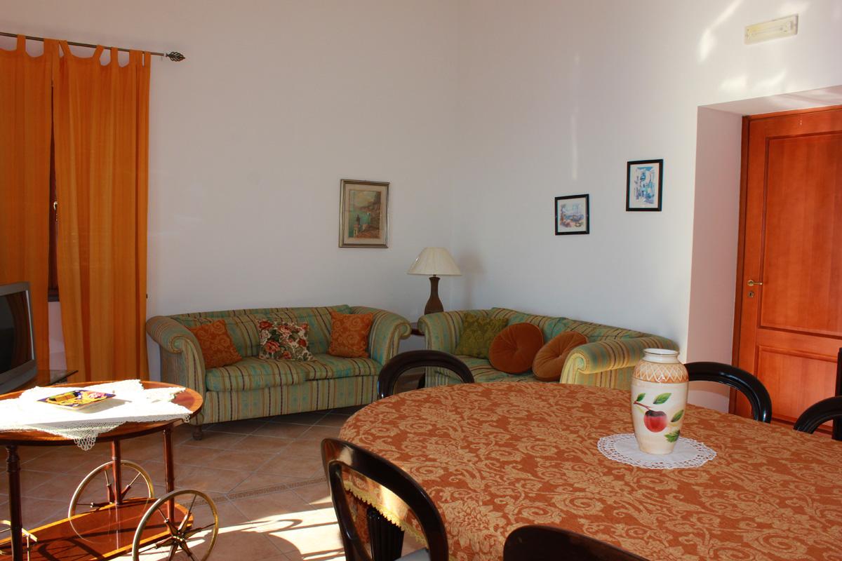Soggiornare e dormire sul centro storico case vacanze l for Soggiorno costiera amalfitana